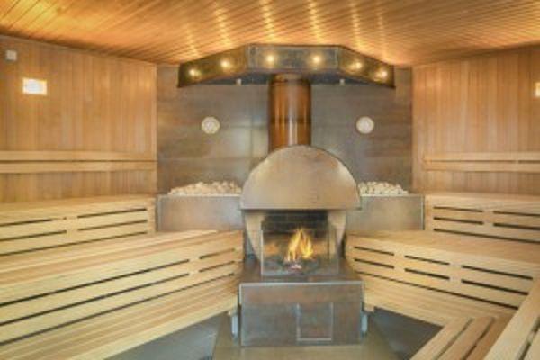 Kaminsauna im Saunabereich vom AHOI Elrebnisbad in Sellin