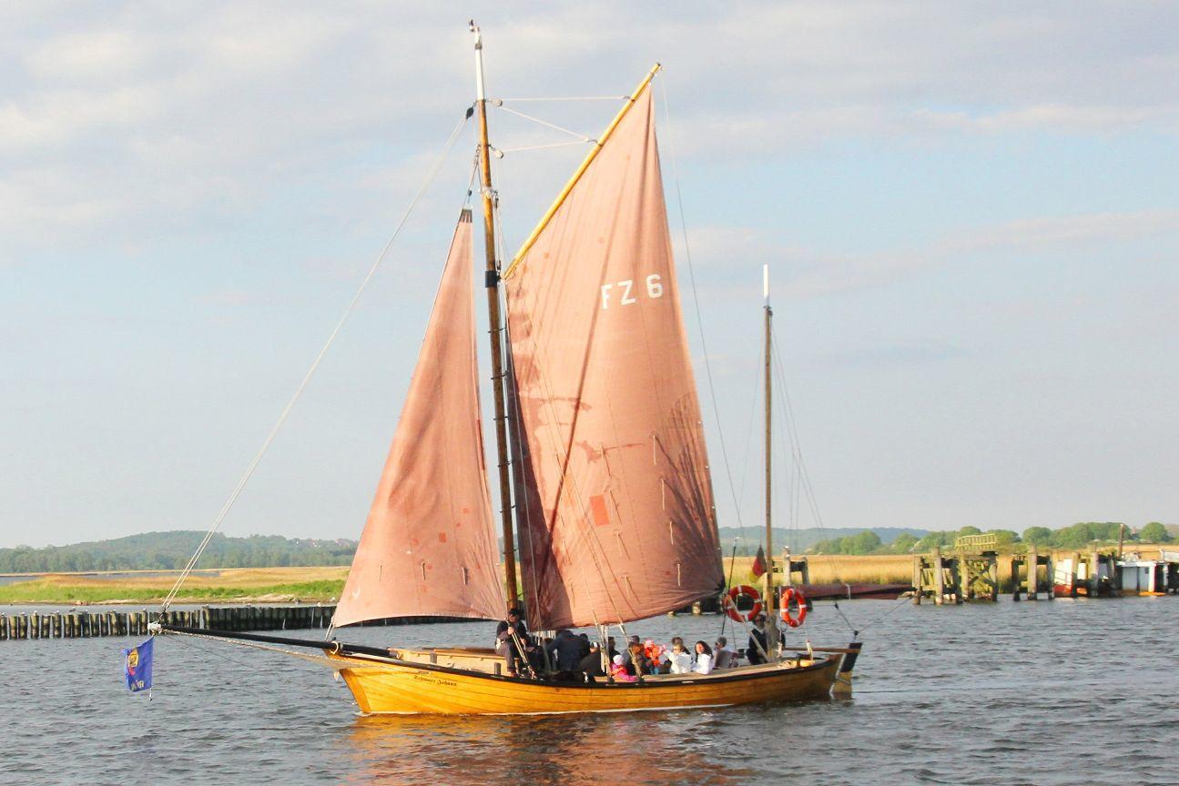 Fischerei Zeesboot Schwart Johann in Gager auf Rügen