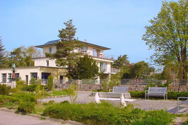 Haus am Strand F-1072 in Juliusruh