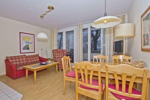Wohnzimmer in der Ferienwohnung 05 in der Strandresidenz Brandenburg