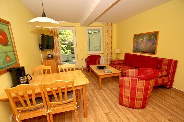Wohnbereich in der Ferienwohnung 29 in der Strandresidenz Brandenburg