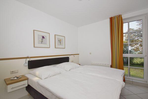 Schlafzimmer in der Ferienwohnung 04 im Haus Blick zur See in Göhren
