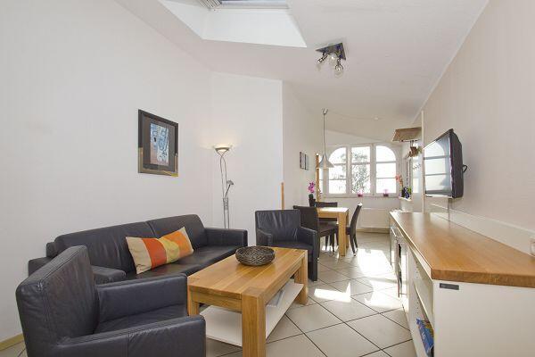 Wohnbereich in der Ferienwohnung 10 im Haus Blick Zur See
