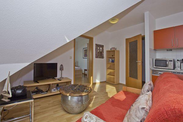 Wohnbereich in der Ferienwohnung 25 in der Höftresidenz