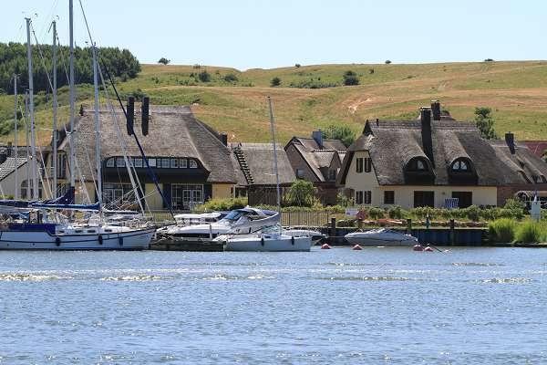 Der kleine Hafen in Gager