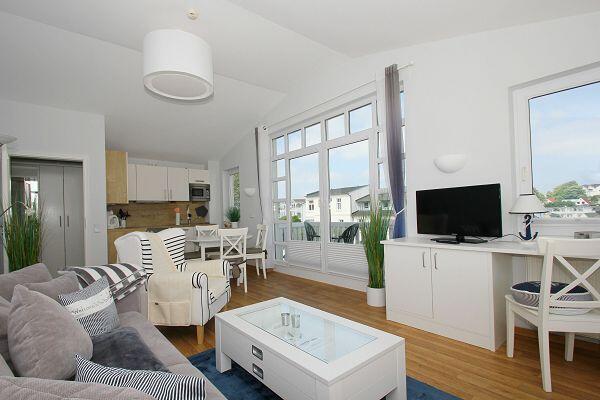 Wohnzimmer in der Ferienwohnung 48 in den Meeresblick Residenzen