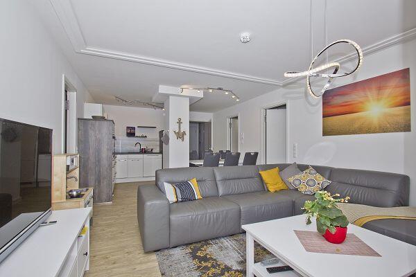 Wohnbereich der Ferienwohnung 05 im Ostseeresort Binz Prora