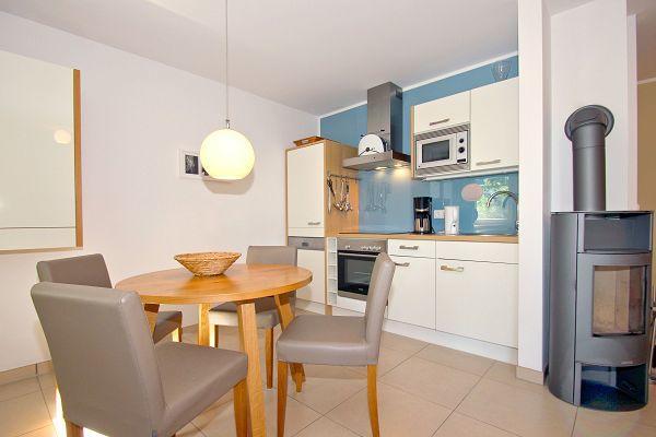 Küche in der Wohnung 02 im Haus 29 im Strandresort Rex Rugia
