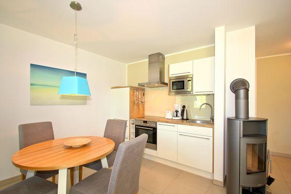 Küche in der Ferienwohnung 02 im Haus 30 im Strandresort Rex Rugia in Lobbe
