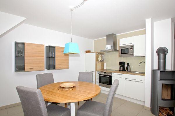 Küche in der Ferienwohnung 06 im Haus 30 im Strandresort Rex Rugia