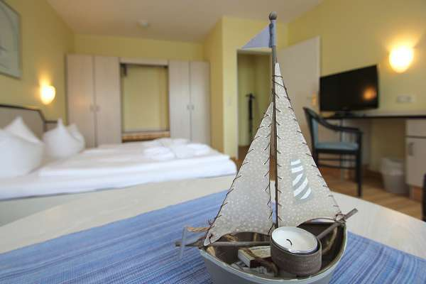Eine kleine Schönheit im Doppelzimmer im Strandhaus Mönmchgut B&B