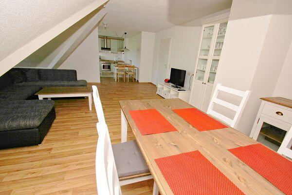 Wohnbereich in der Ferienwohnung 21 im Strandhaus Mönchgut