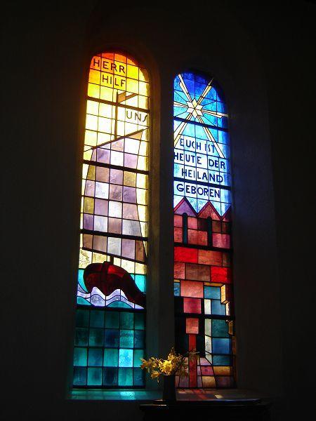 Bleiglasfenster in der Kirche von Göhren