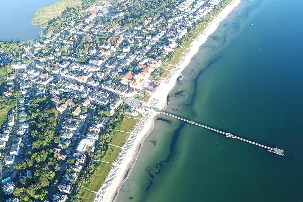 Das Ostseebad Binz auf Rügen von oben