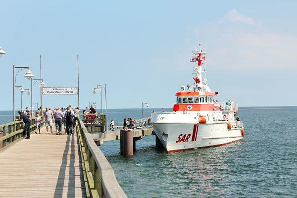 Open Ship mit den Seenotrettern an der Seebrücke Göhren